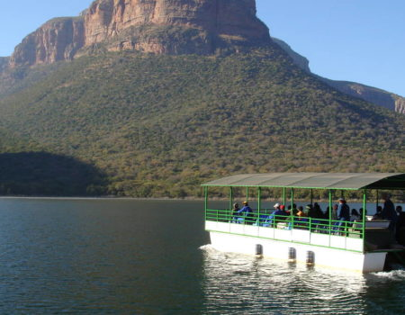 Boat trip on Blyde Dam